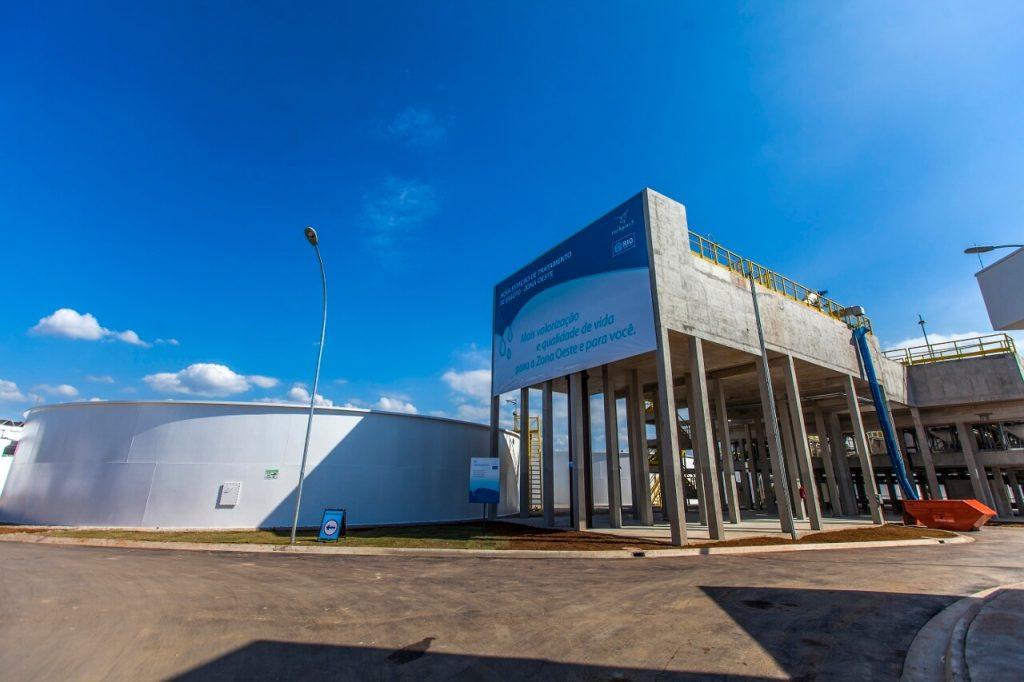 estrutura externa e tanque da nova estação de tratamento de esgoto em deodoro, na zona oeste do rio de janeiro