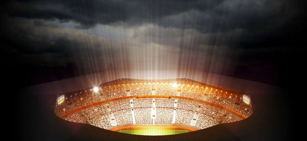 estádio durante a noite