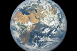 imagem da terra a partir do espaço dscovr