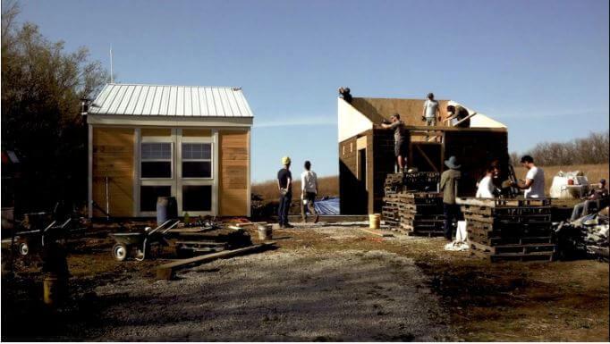 casa do open building institute sendo construída nos EUA