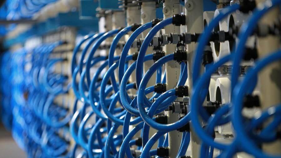 Membranas da osmose reversa transformam água mar em potável