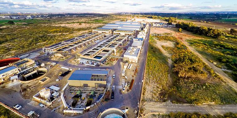 Usina de dessalinização em Israel transforma água mar em potável