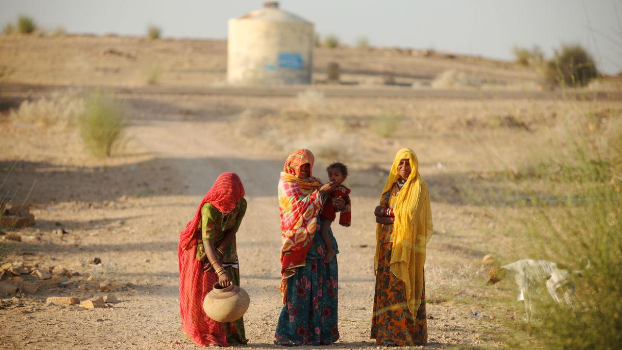 Mulheres sofrem mais com falta de acesso à água, diz Unicef