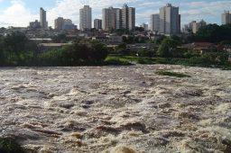 Estudo: perda de água potável aumenta vulnerabilidade de bacias hidrográficas