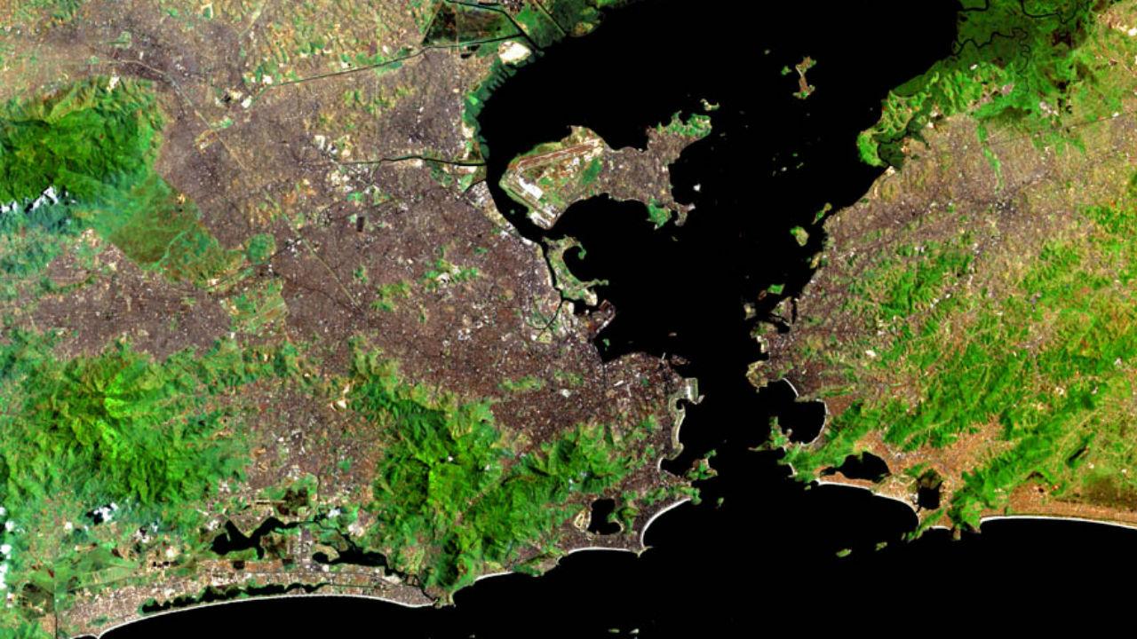 imagem de satélite da baía de guanabara despoluição