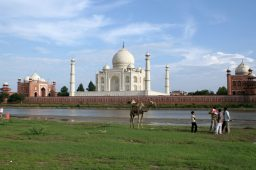 Índia suspende status de pessoa concedido ao rio Yamuna