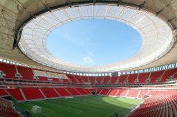 DF: Por que o estádio Mané Garrincha consumiu 62 vezes mais água que a média