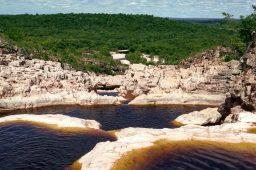 Microbacia hidrográfica na Chapada Diamantina, Bahia. Crédito: Thomas Coutinho/Unsplash